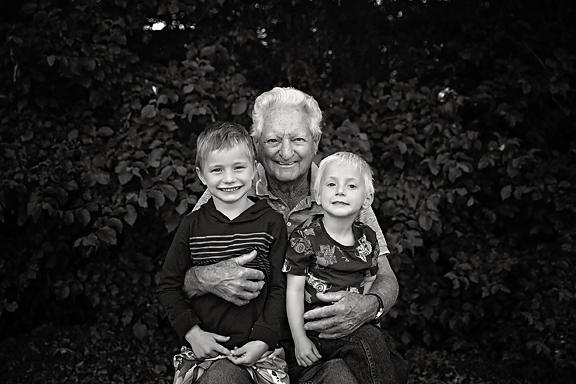 McKennaFamilyPhotos-8Black&White.jpg