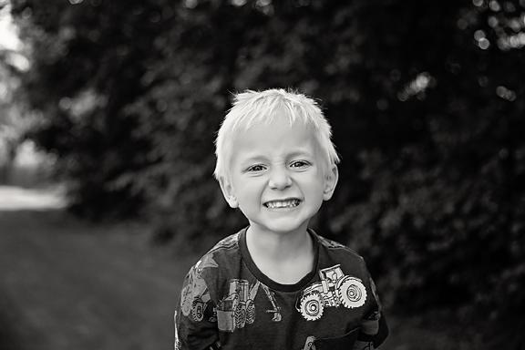 McKennaFamilyPhotos-17Black&White.jpg