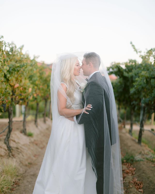 Romance in the vineyards of Temecula 🍇🍷 these two babes got married on a beautiful fall day with the view of the vineyards as their ceremony backdrop. They've been together since before they could drive, and they finally tied the knot this month. They never shared a word of their vows to each other before the ceremony, and during the ceremony everyone laughed and cried because their vows were literally mirroring each other almost word for word. Another favorite: Tesla's wedding dress. It had POCKETS, and was so timeless and classic. Loved photographing these two ♥️
