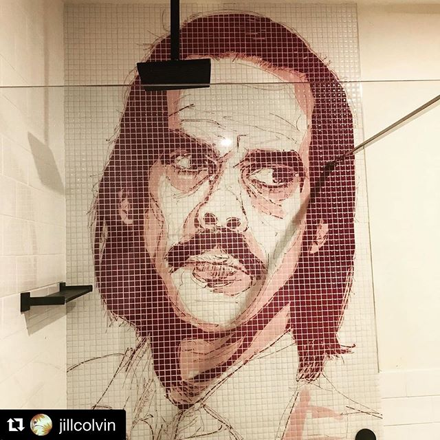 Mr Cave is a gentleman... averts his gaze while you shower... ・・・ #Repost @jillcolvin ・・・ A pitstop at the @boogiewoogiebeachhouse on our way north. #oldbar #nickcave #travellingnorth