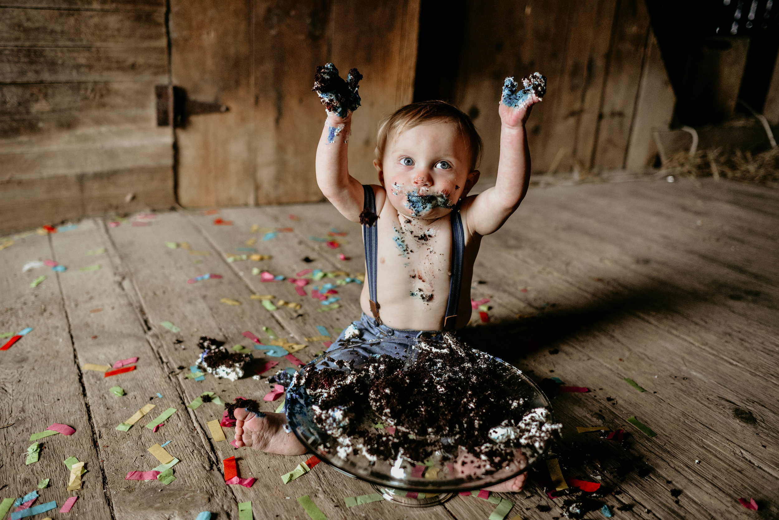He devoured that cake.. maybe with a little help from mom too lol! I love a good cake smash and highly recommend it for their one year birtthday... or your 30th birthday too.... I mean I would be totally game for that!