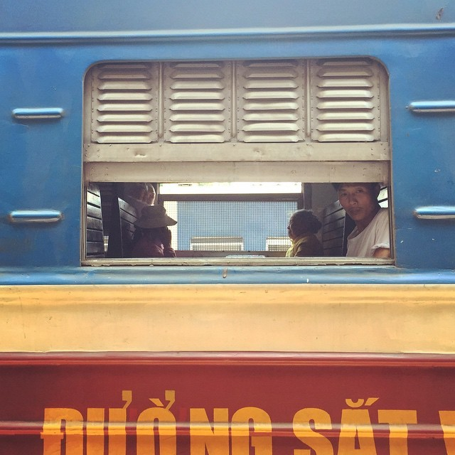 man_train_vietnam.jpg