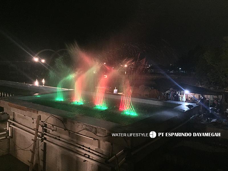 Air Mancur Menari Dengan Musik Kenjeran (3).jpg