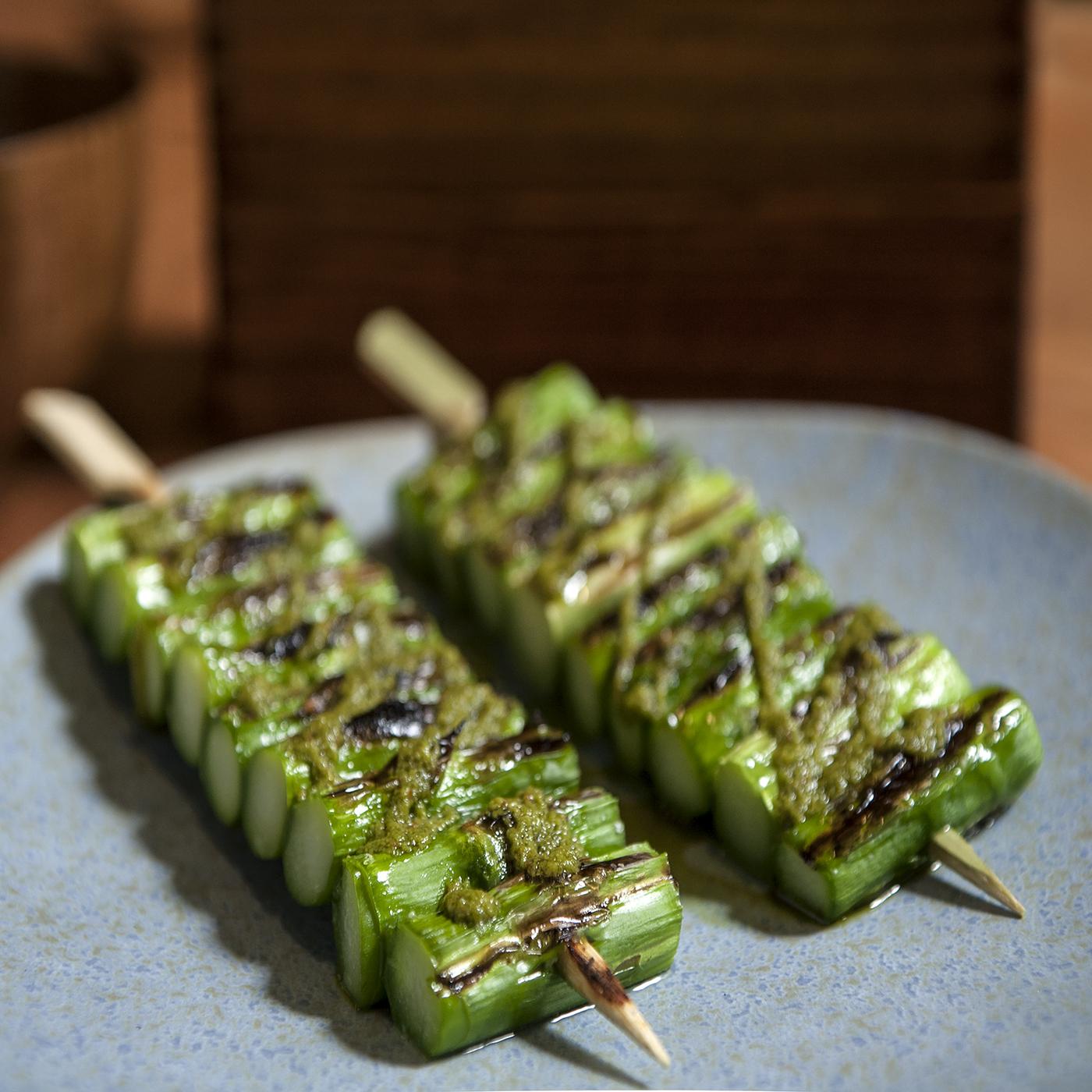 Onsen asparagus skewers