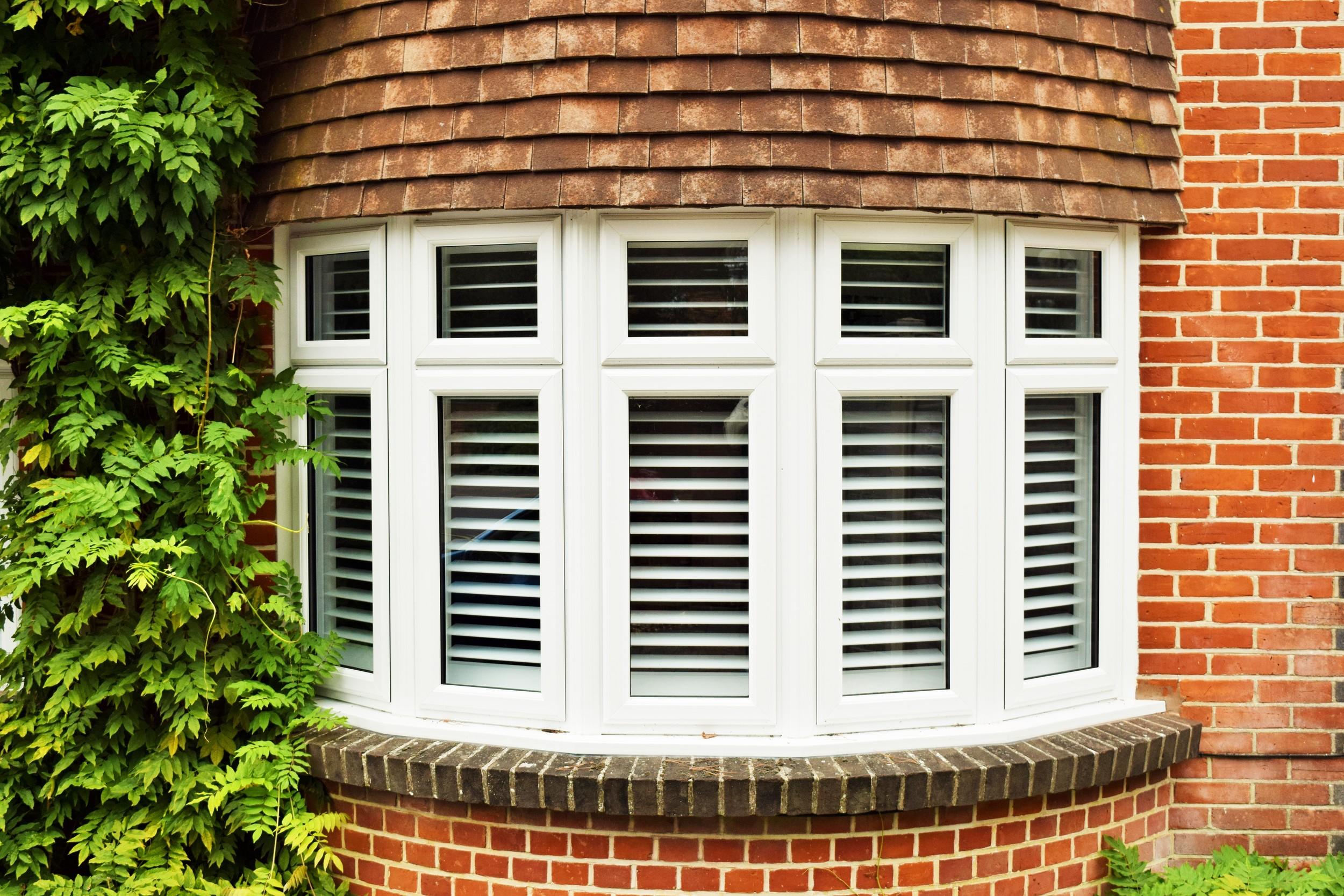 Bay window wooden blinds Bournemouth Christchurch Weymouth