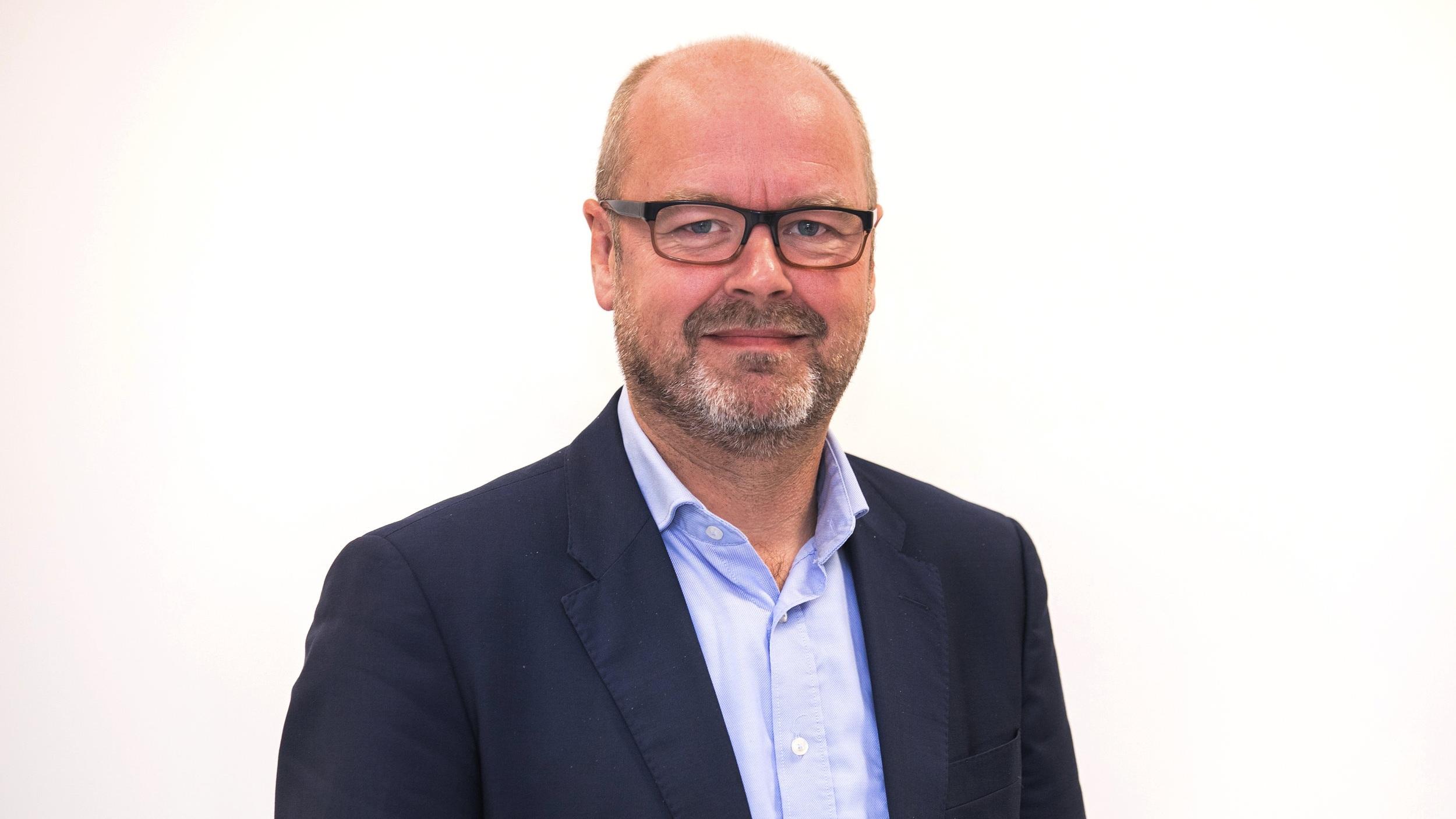 Stefan Joris - Membre consultatif. Depuis 3 ans, Stefan est directeur général de l'association Muco, l'association nationale de patients pour les personnes atteintes de fibrose kystique. Il est également actif au sein de différentes organisations au niveau européen.