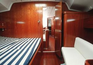 allegra_beneteau_first_477master+cabin.jpg