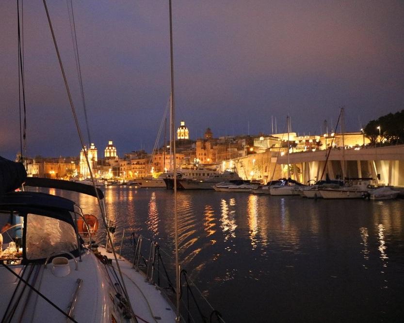 Malta%2BSailing%2Bexperiences%2Bharbour%2Bcruise%2Bby%2Bnight.jpg