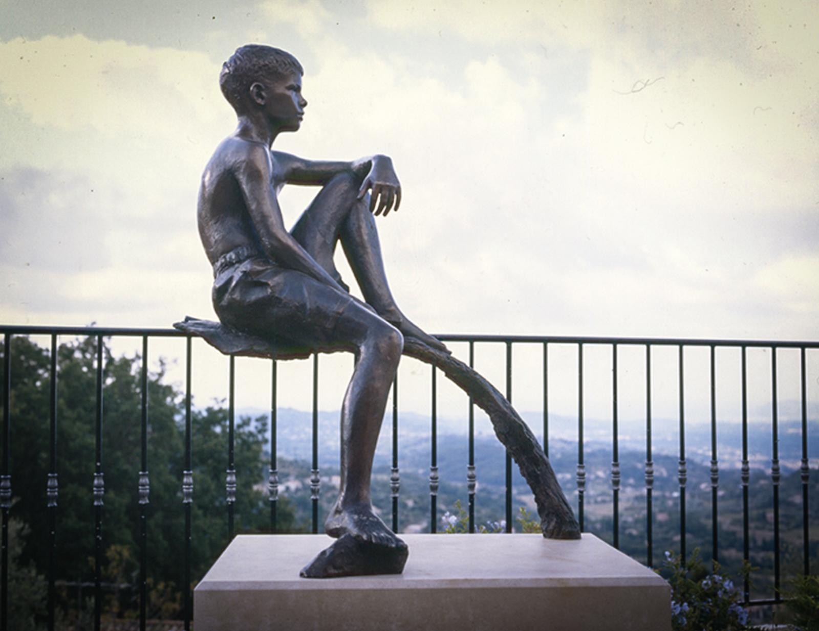 Mark Richards sculpture Statue of Felix