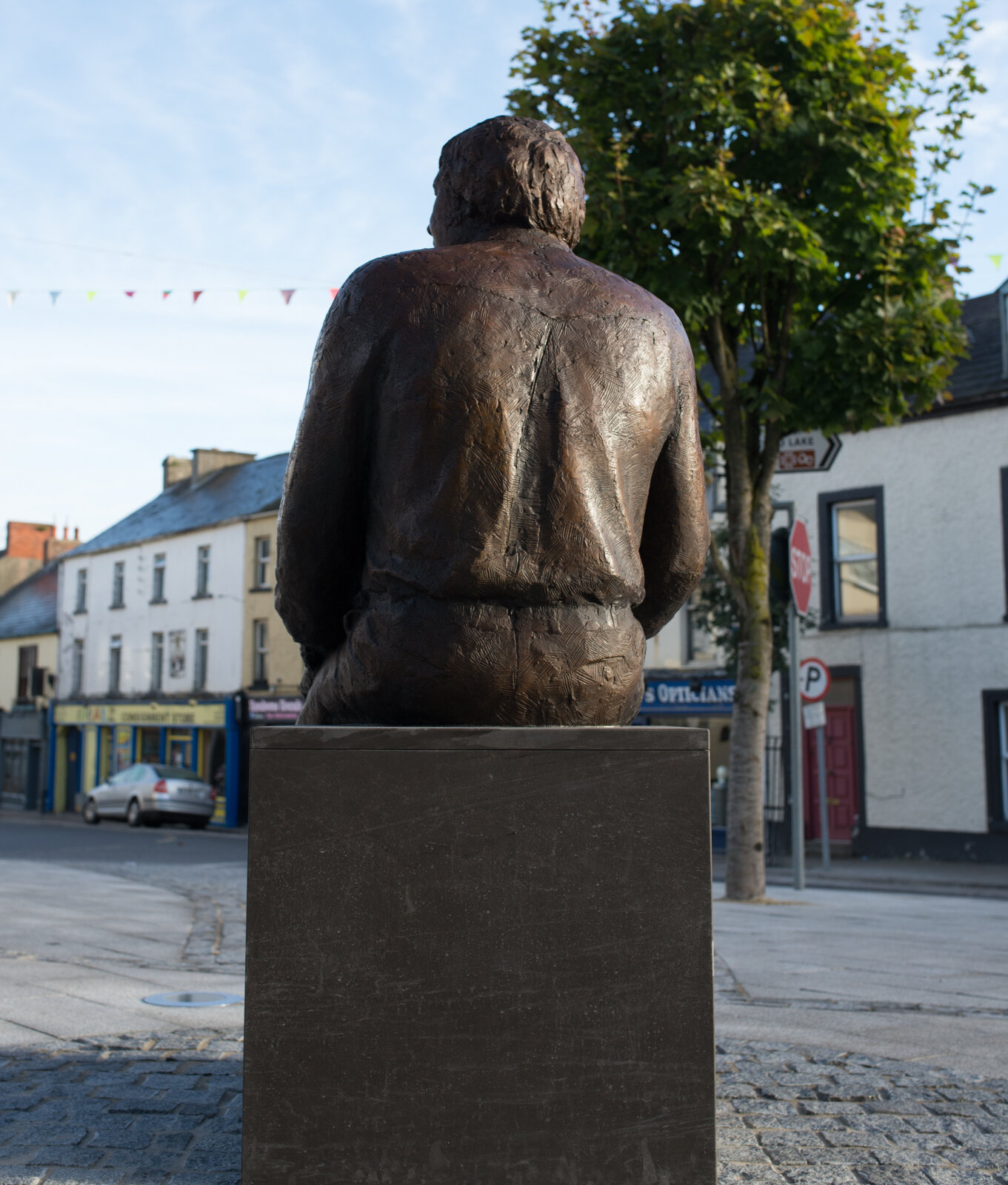 Big Tom statue (7 of 25).jpg