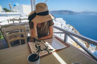 SantoriniThingsToDo_320x213.jpg