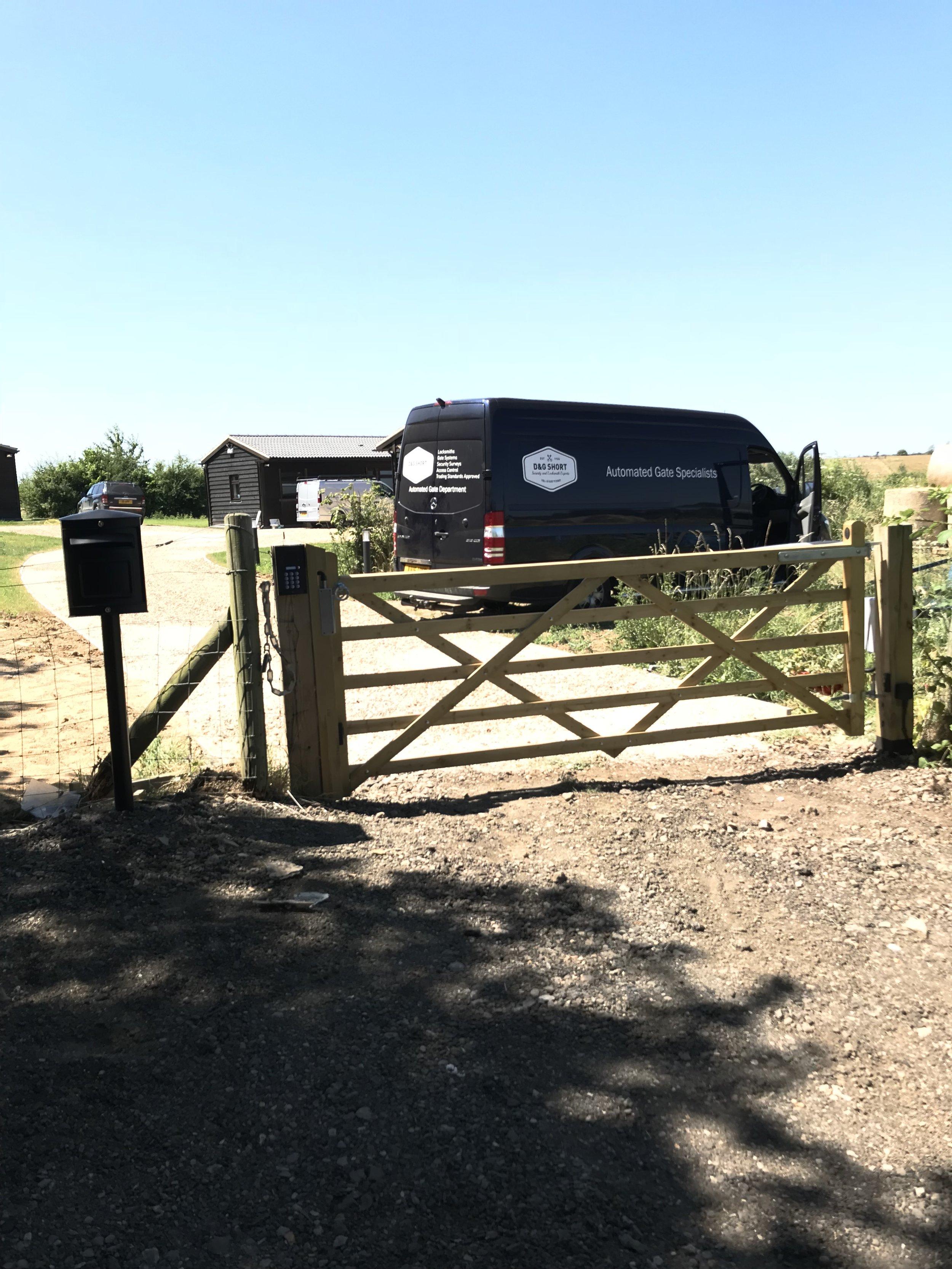 field gate axo mtm.jpg