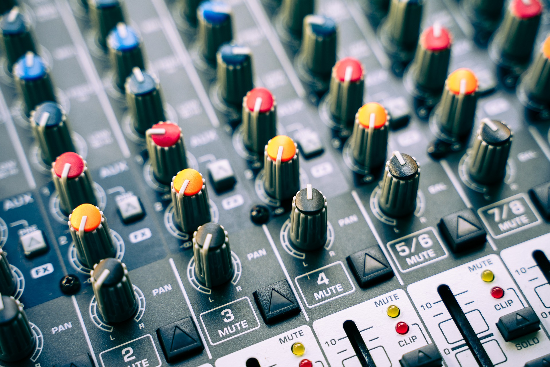 mixer-4197733_1920.jpg