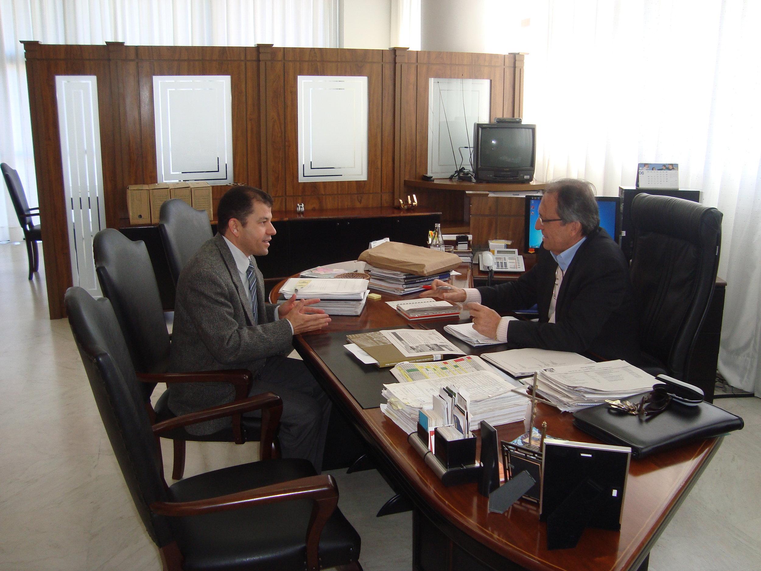 Reunião com Dr. Amauri R.Cavalcanti - diretor DER 2.JPG