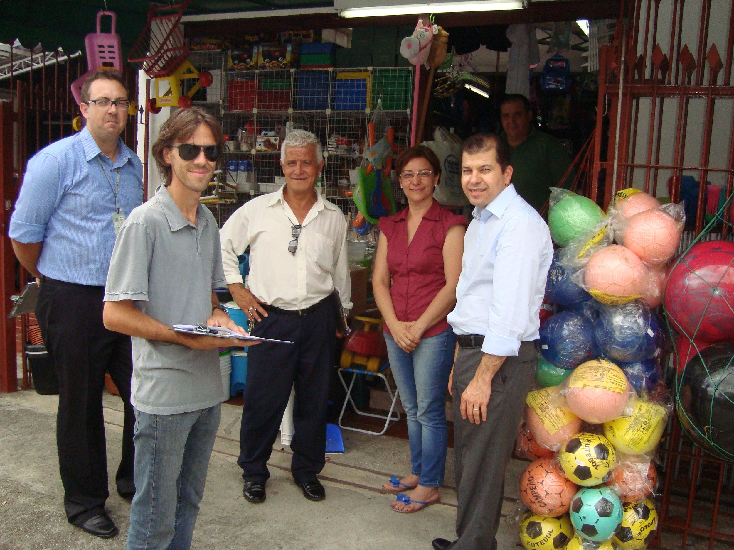 Reuniao na rua Av Sao Jose 571 Setran Eng Guilherme e Gustavo com Serginho e lojistas.JPG