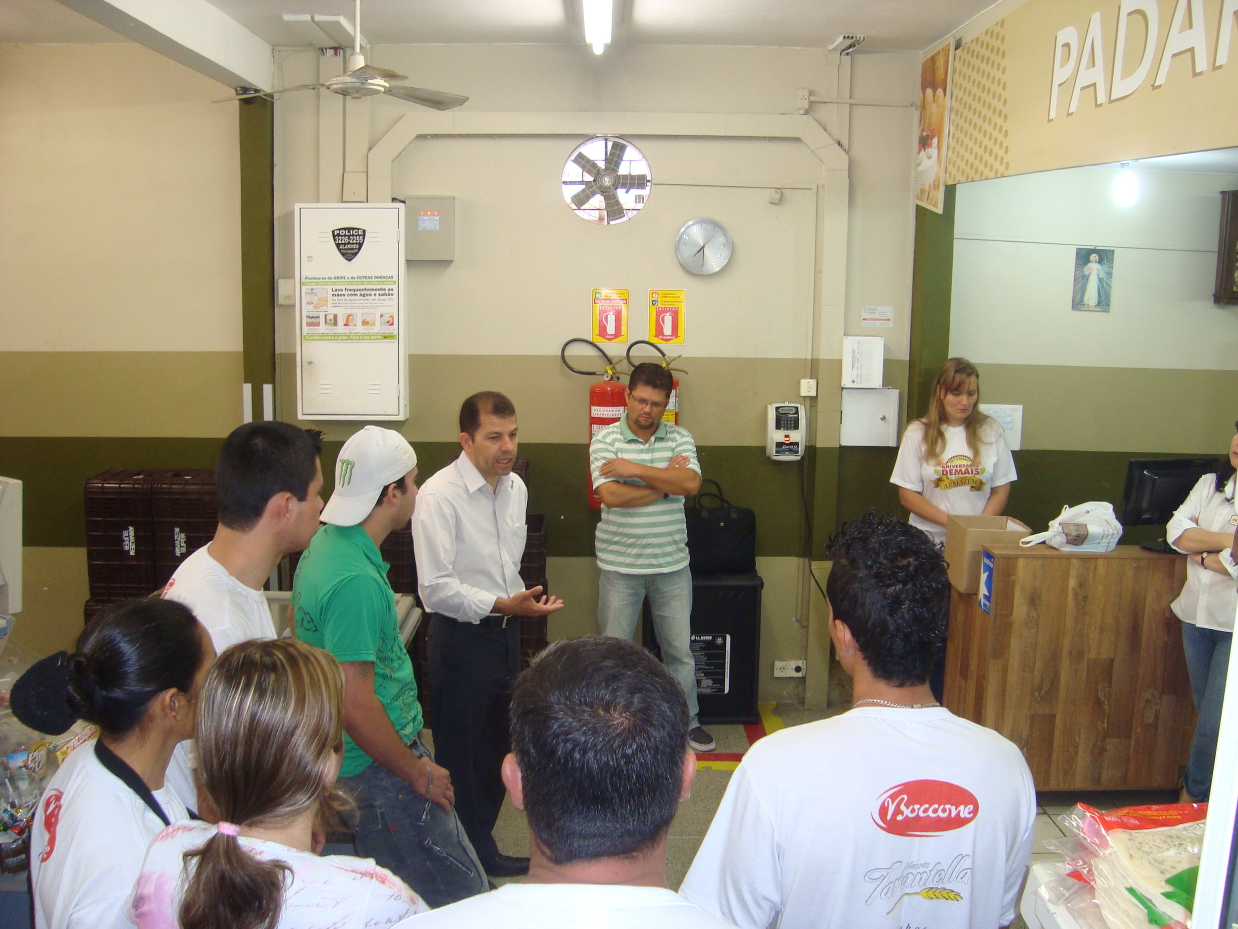 Cafe da Manha no Supermercado Armazem  Joao Tobias de Paiva Neto (1).JPG