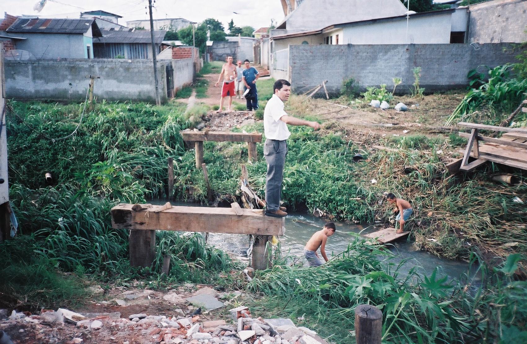 Caminhada na Vila Camargo e imediacoes no bairro Cajuru (16).JPG