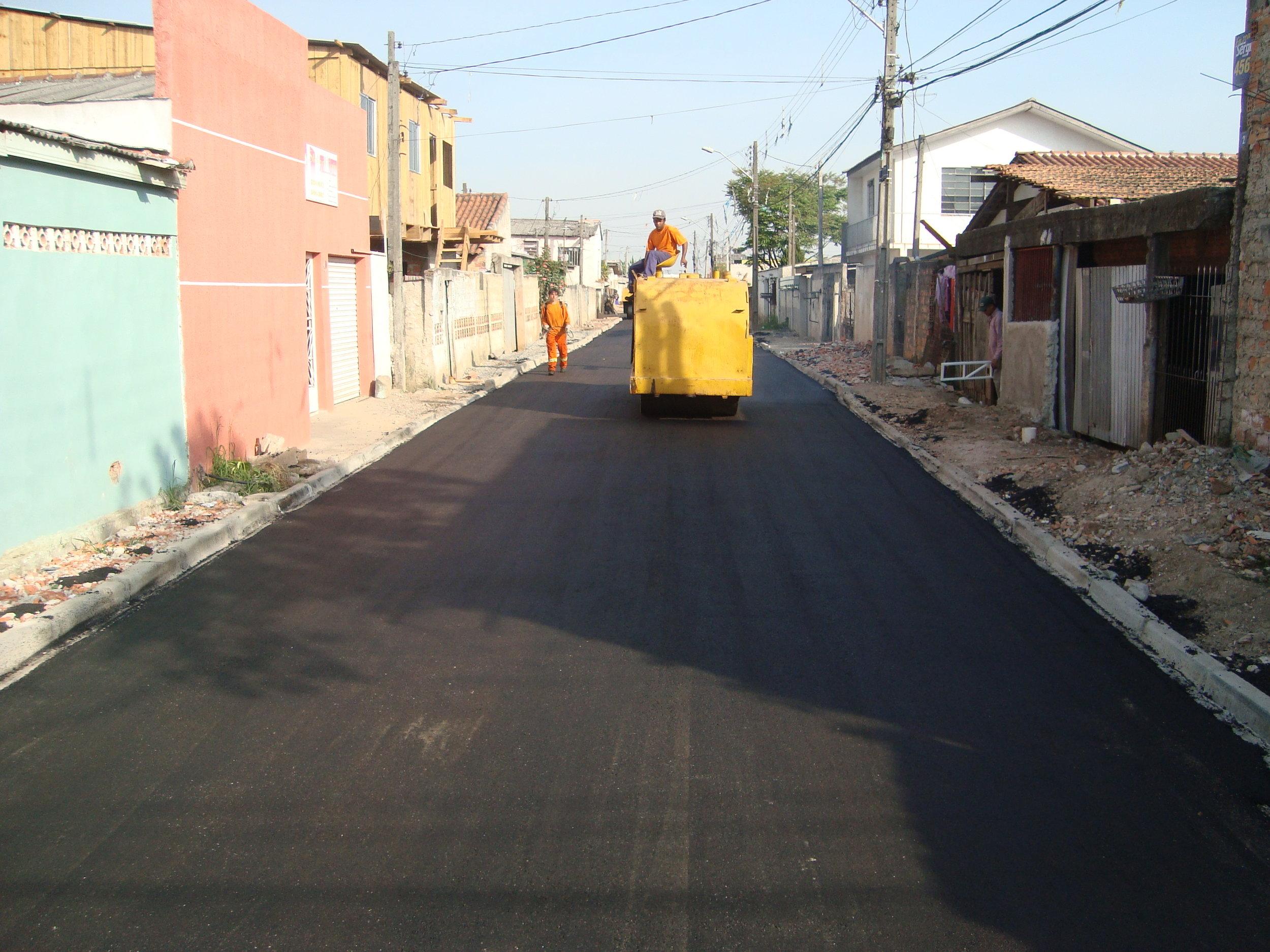 Pavimentação na Rua Leodoro Ferreira de Castro