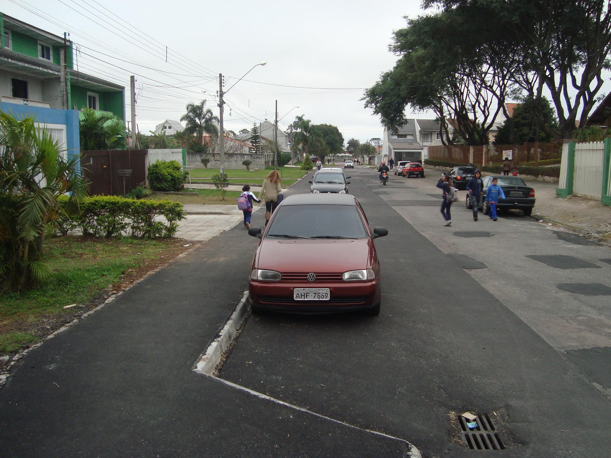 Remanso na Rua Raul de Oliveira, em frente à Igreja São José - 2011