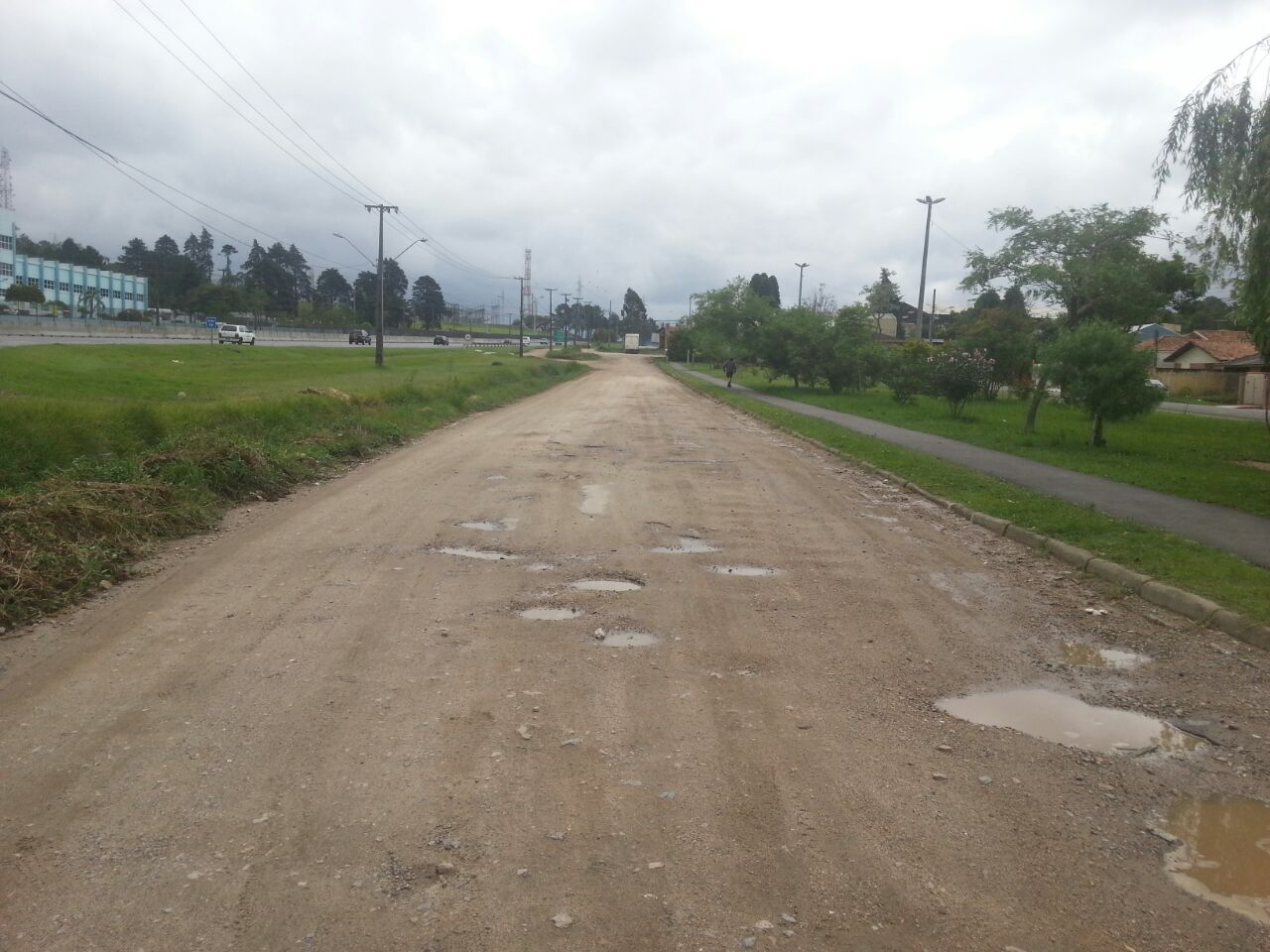 Rua Dr Petrônio Romero de Souza, trecho entre a Rua Dep. Acyr José e Colégio Sion