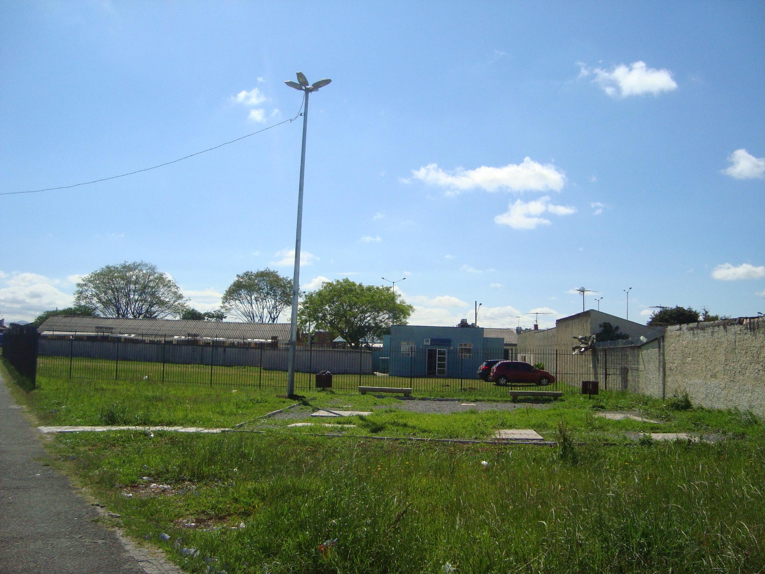 Super poste na academia ao ar livre da Rua Osiris Del Corso anexa à US São Domingos