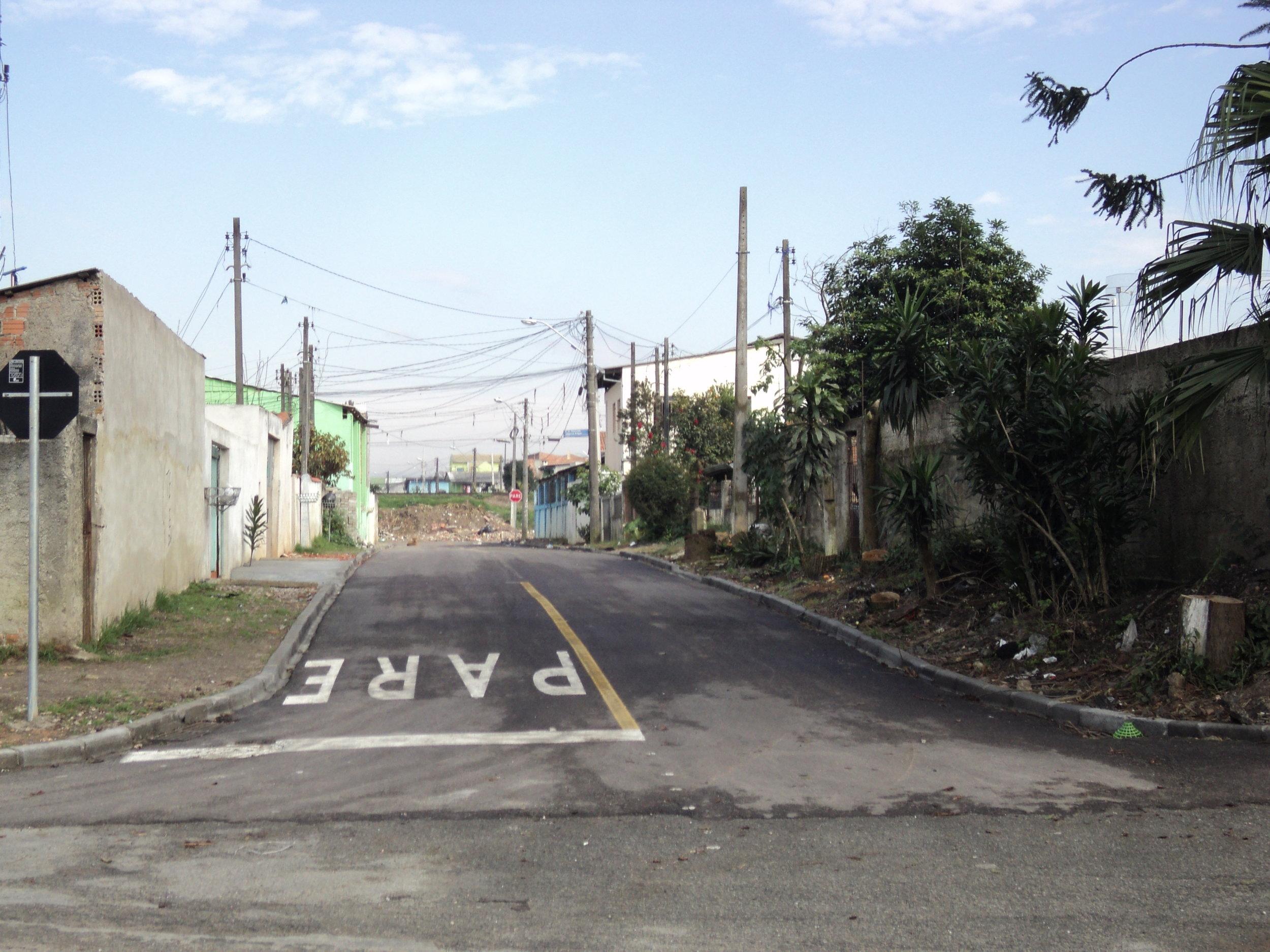 Rua David Affonso Kreitlow, entre a linha férrea e Rua Leonardo Novicki, V. São Domingos