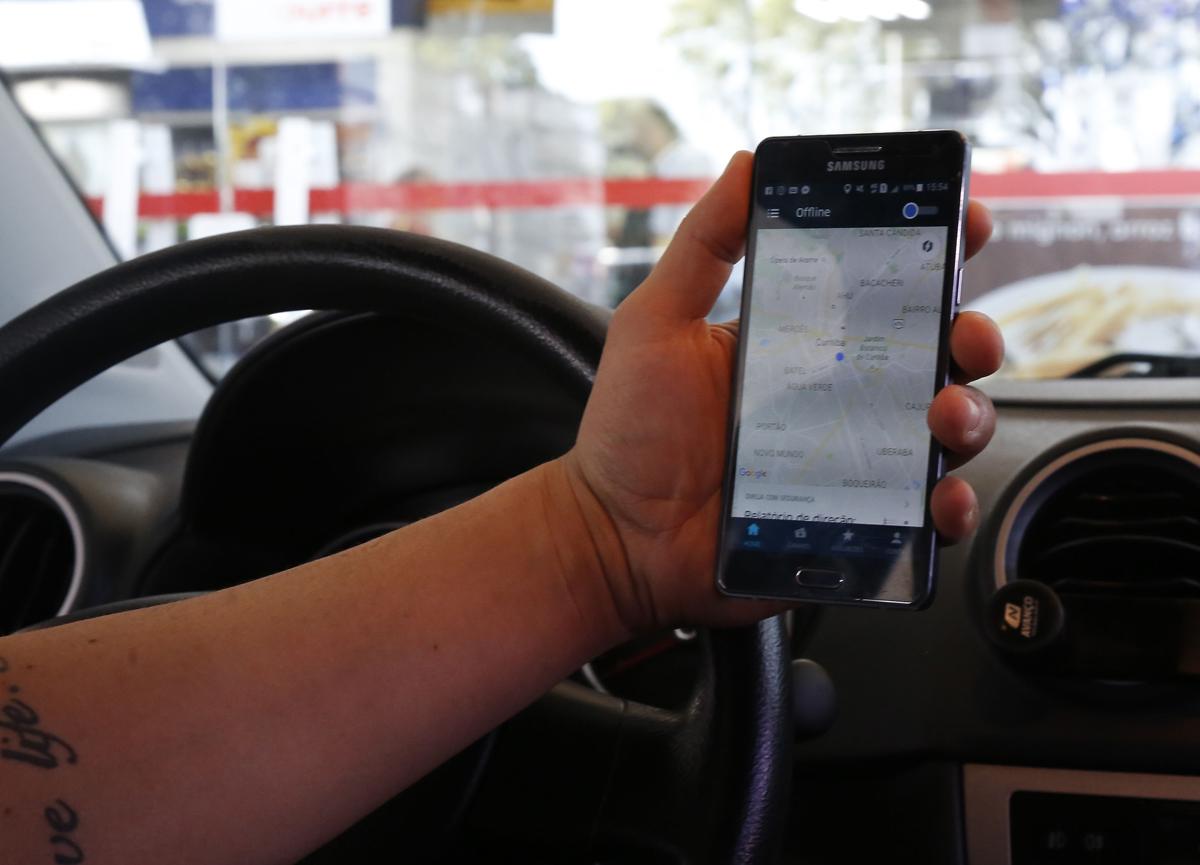 Motoristas do Uber trabalham com medo dos taxistas e das multas. Foto: Pedro Serapio