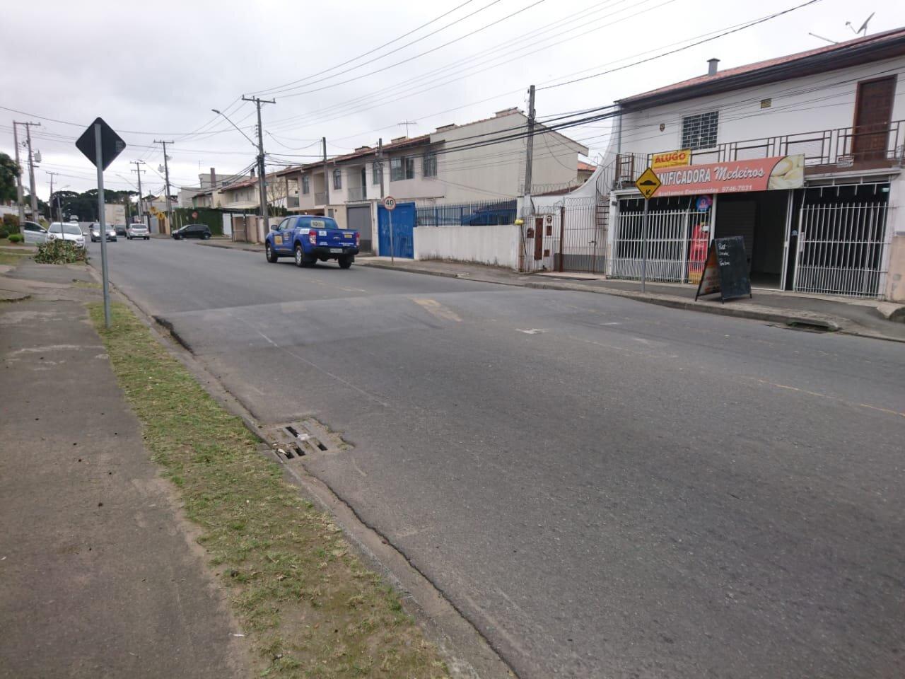Rua Augusto zibarth 947 repintura de lombada urgente.jpeg