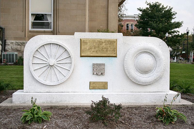 Monument commemorating the first portland cement street in the United States, Bellefontaine, Ohio, October 6, 2005. Image source:  Bellefontaine-ohio-cement-street-monument.jpg  by Derek Jensen ( Tysto ), licensed under  Public Domain Mark 1.0