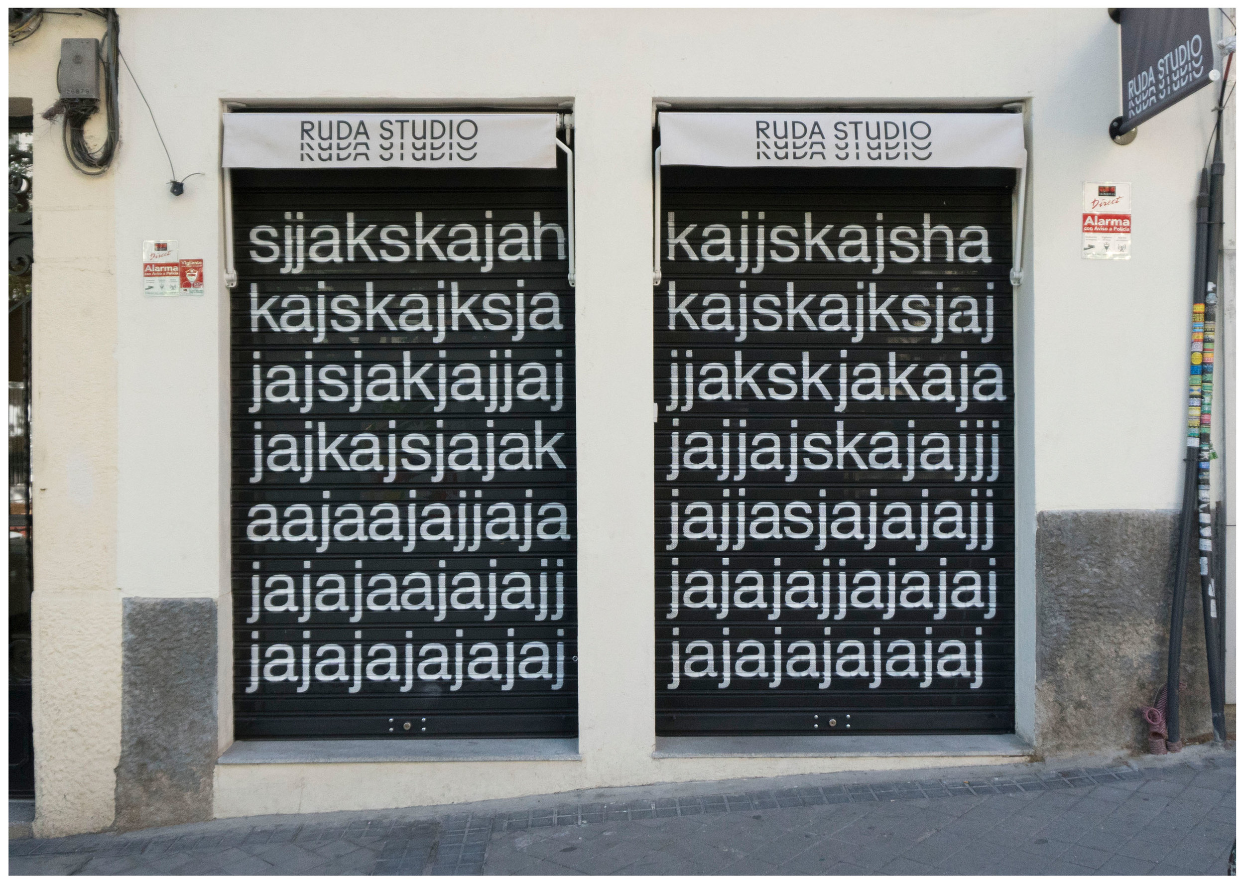 About curtains, expectancy and ajkjaskjasjkhsakjhsa