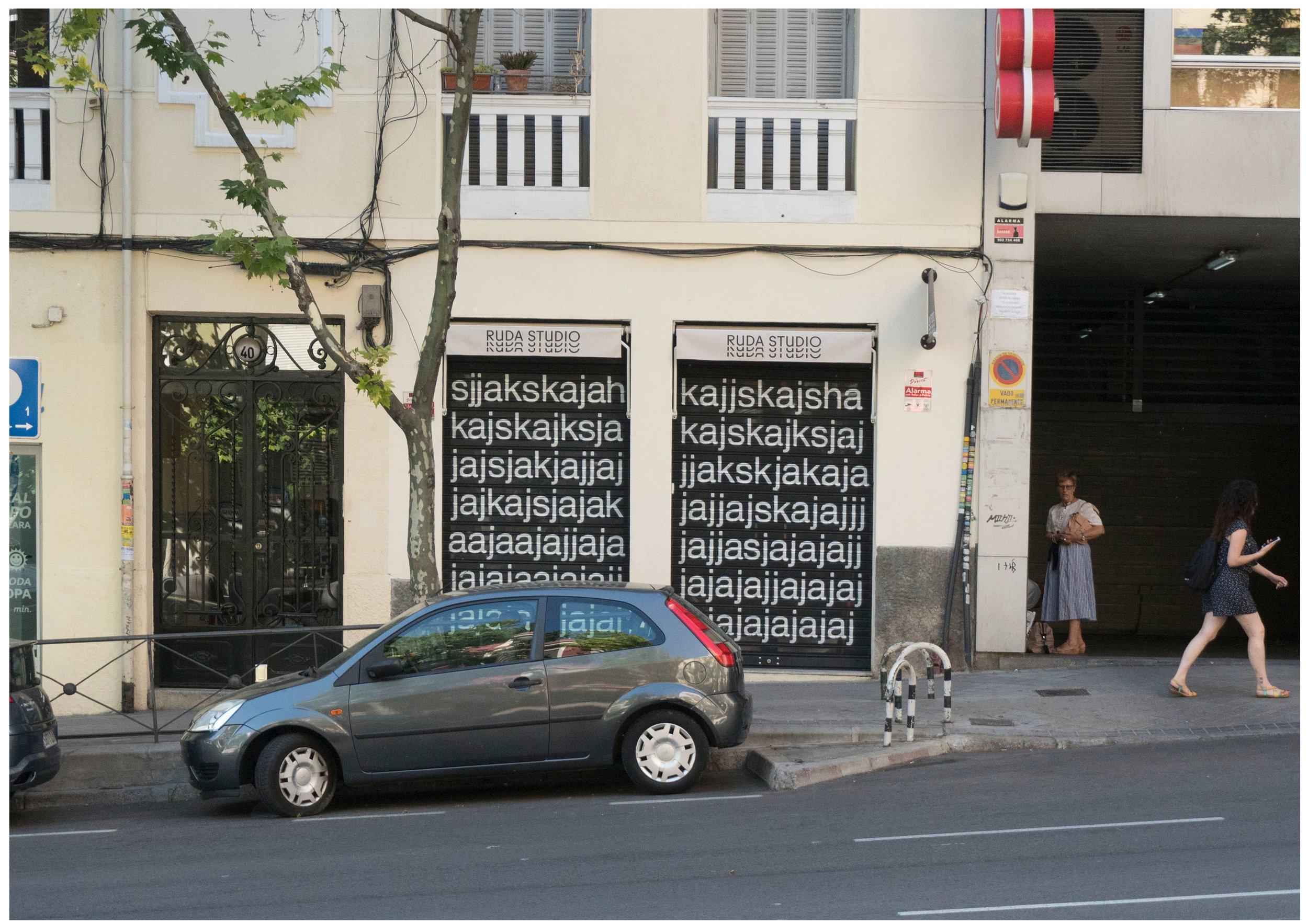 "Background of ""About curtains, expectancy and ajkjaskjasjkhsakjhsa"""