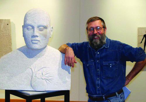 Portrait of sculptor Dale Enochs