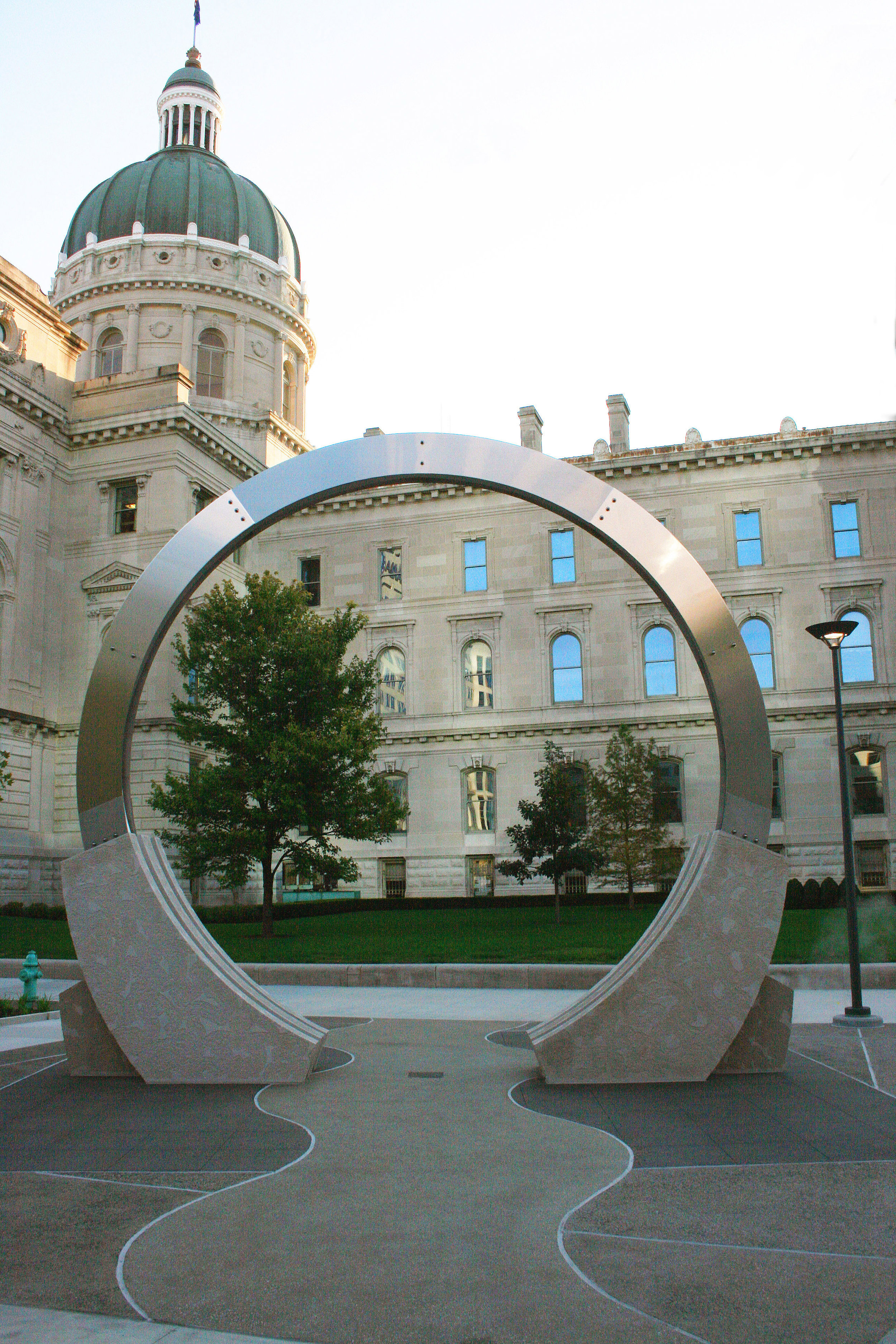 dale enochs' time flow sculpture installed in downtown indianapolis