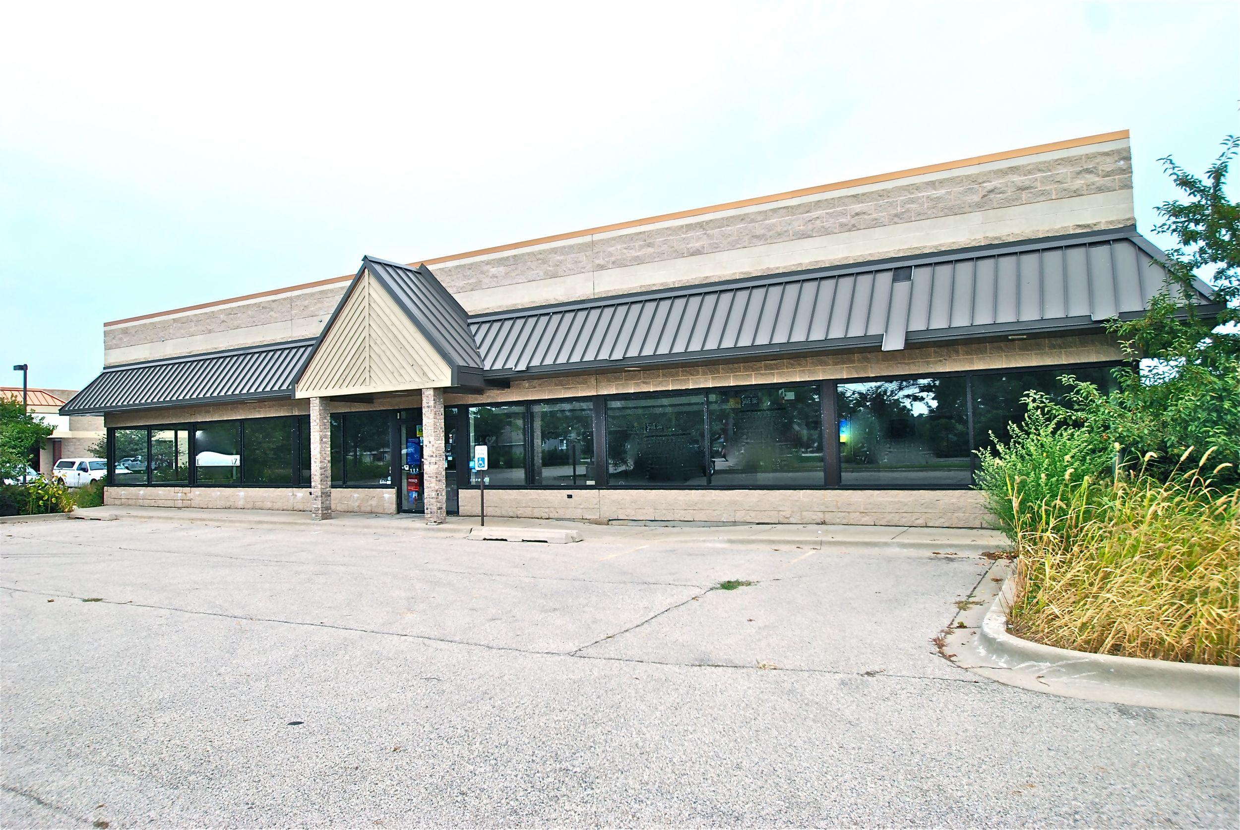 Retail Commercial Building Lindenhurst