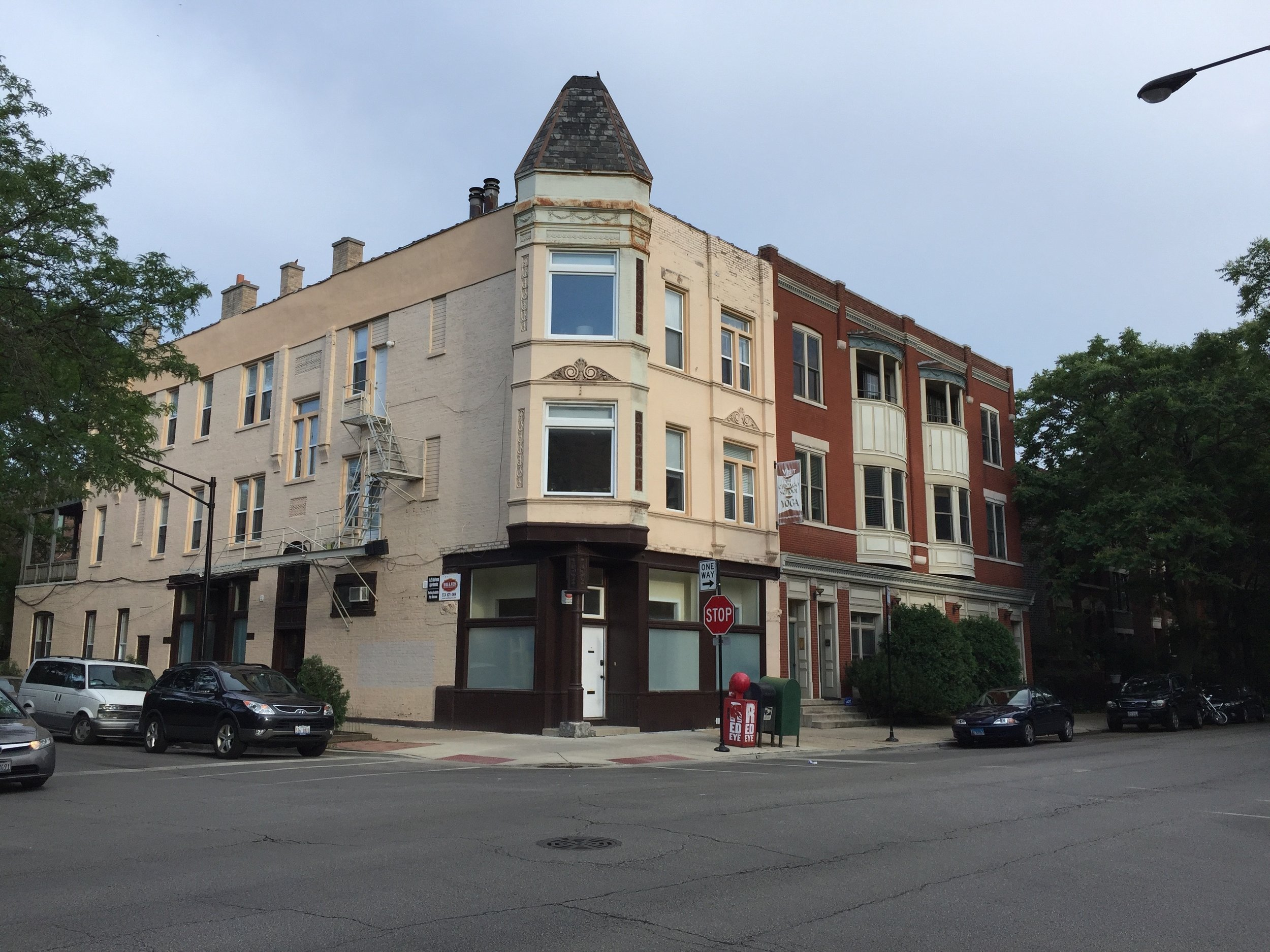 1153-1155 W. Dickens Ave -