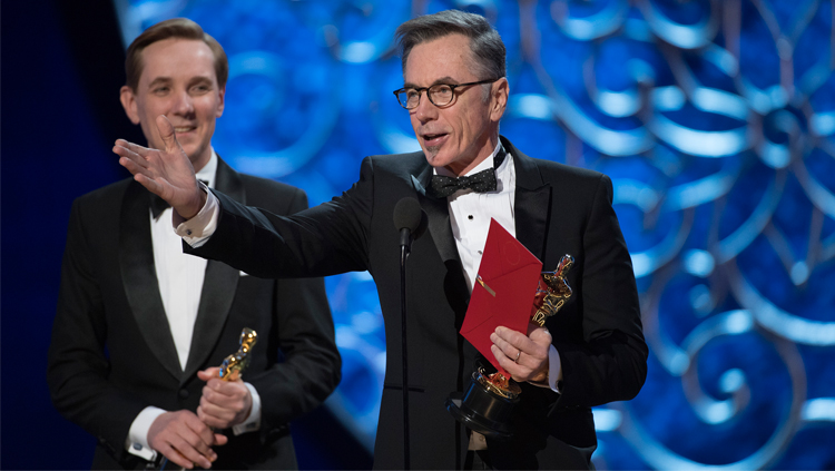 Kevin-OConnell-Oscars-2017-Photo-Credit-Patrick-Wymore-ABC-via-Getty-Images.jpg