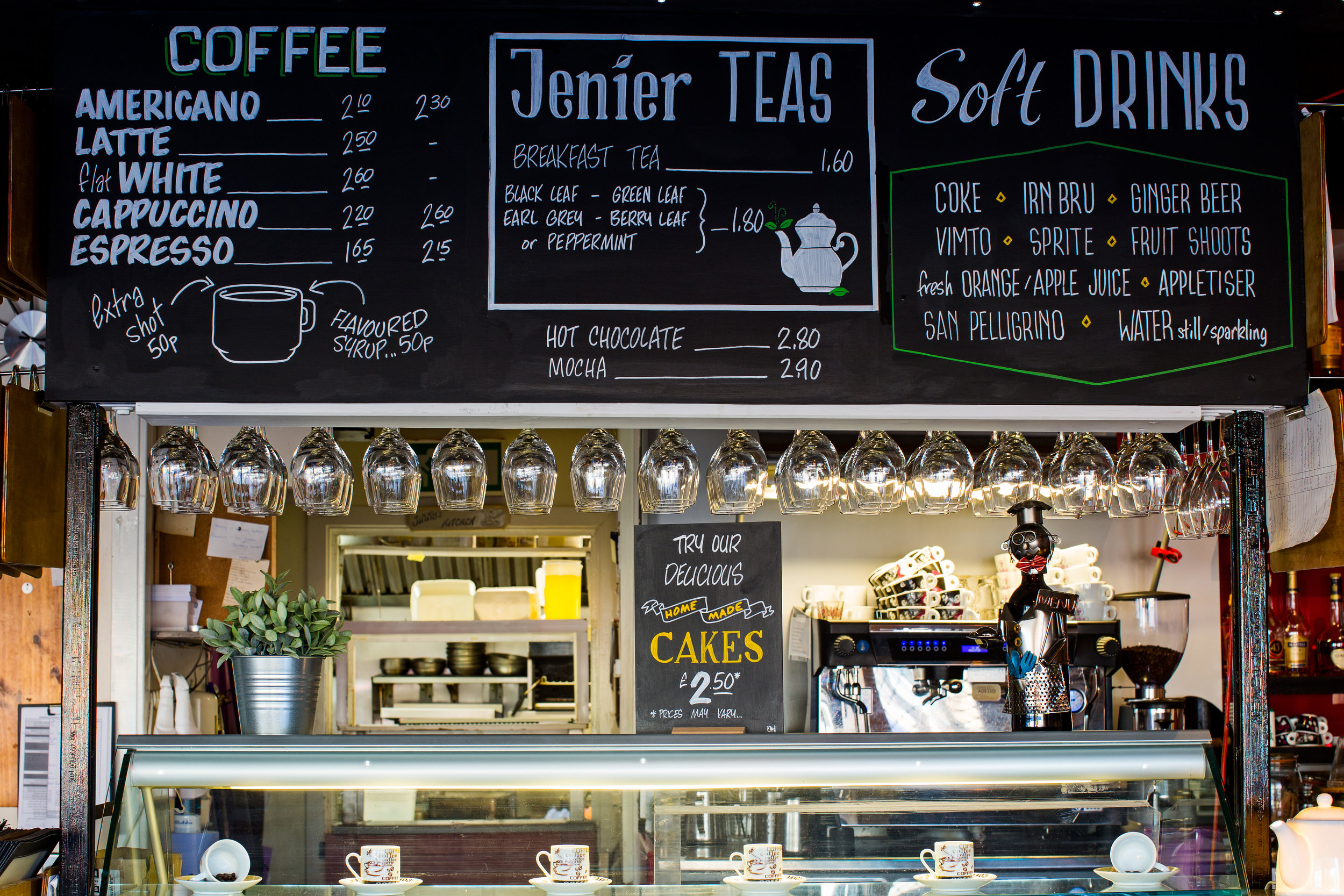 papamacs-gourmet-kitchen-chalkboard-marketing-maverick-designs-glasgow-johnstone-renfrewshire.jpg