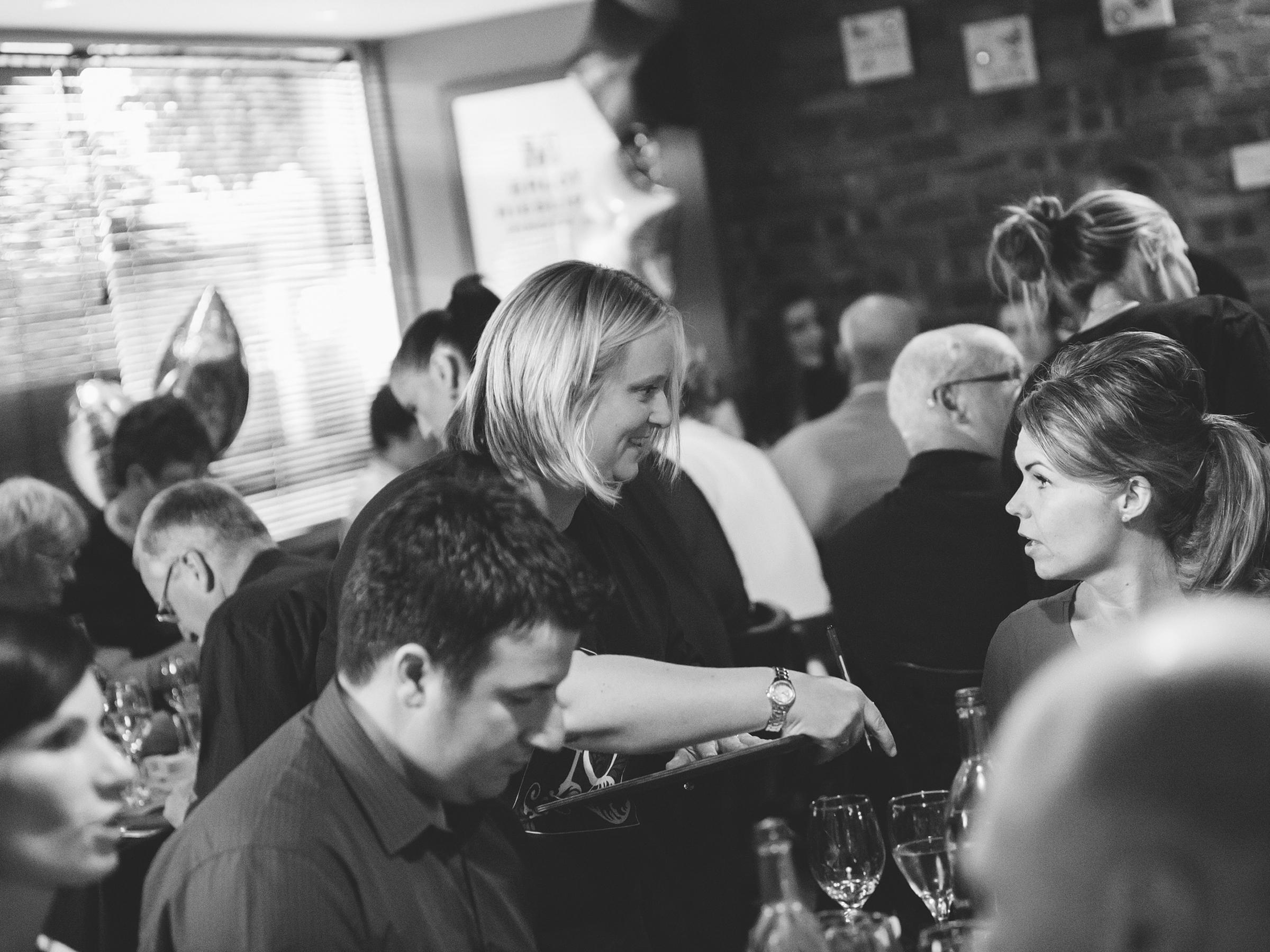 papamacs-restaurant-johnstone-service-party-night-1
