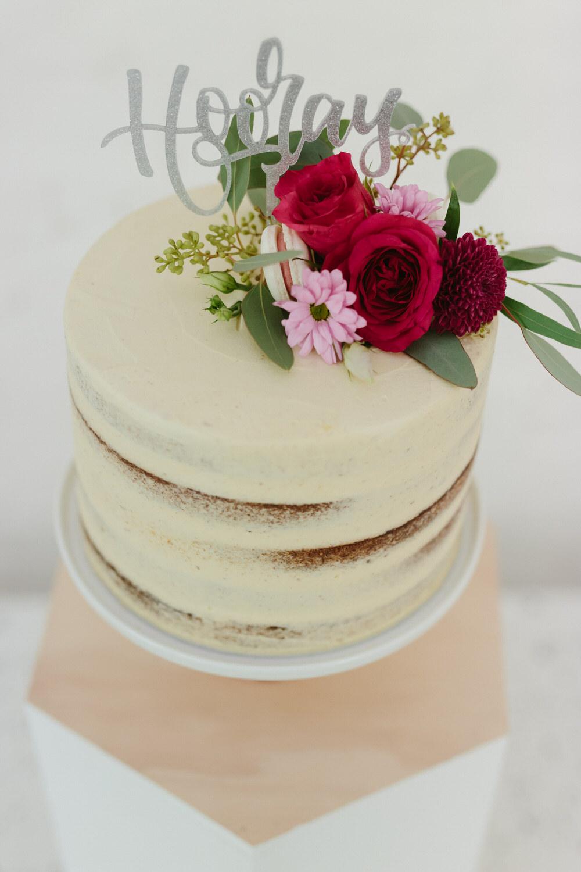 glasgow-food-photography-cake-big-bear-bakery-flower-crown-1