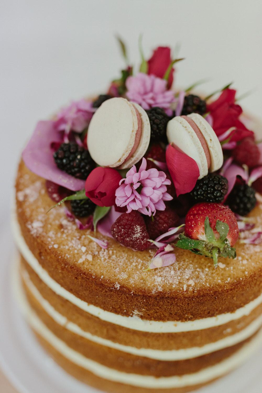 glasgow-food-photography-cake-big-bear-bakery-flower-crown-macarons-3