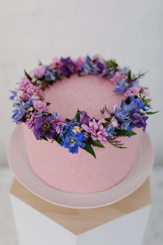 glasgow-food-photography-cake-big-bear-bakery-flower-crown-4