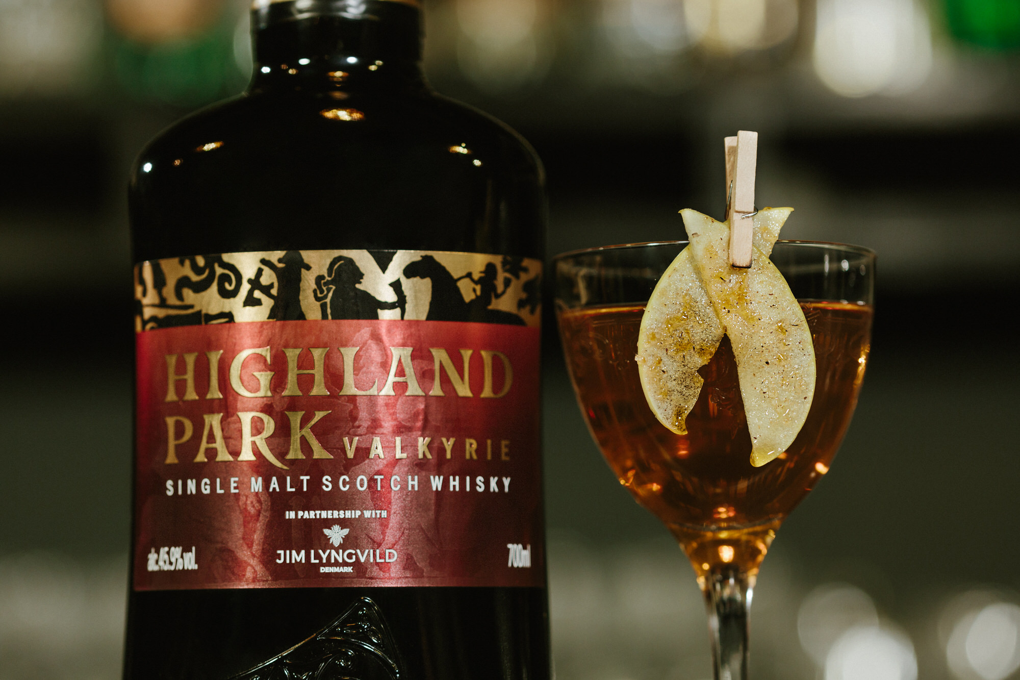 helium-cocktail-bar-highland-park-valkyrie-wings-of-orkney-2.jpg