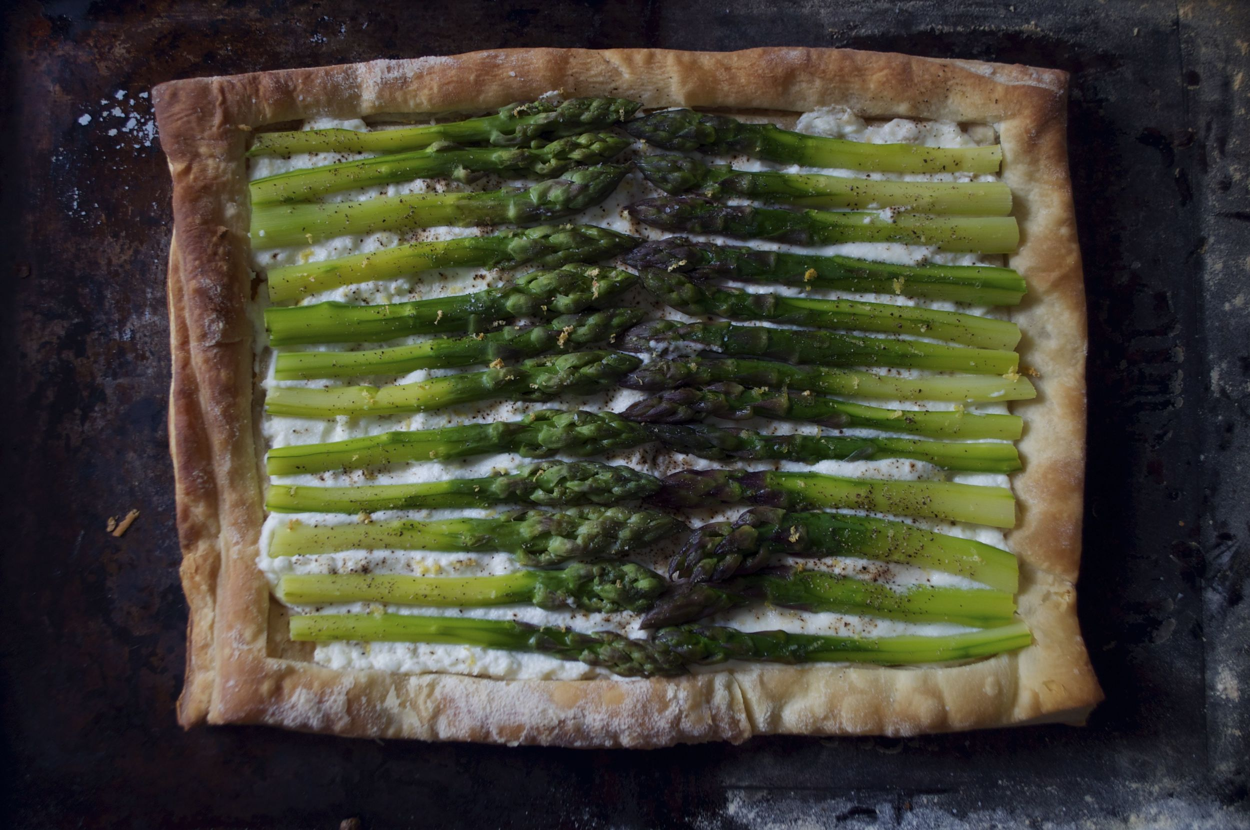 asparagus-tart-fried-parsley