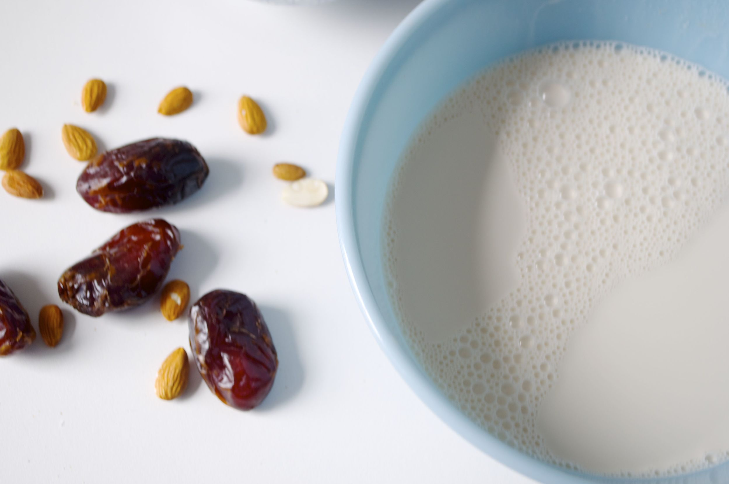 chocolate-almond-milk-fried-parsley