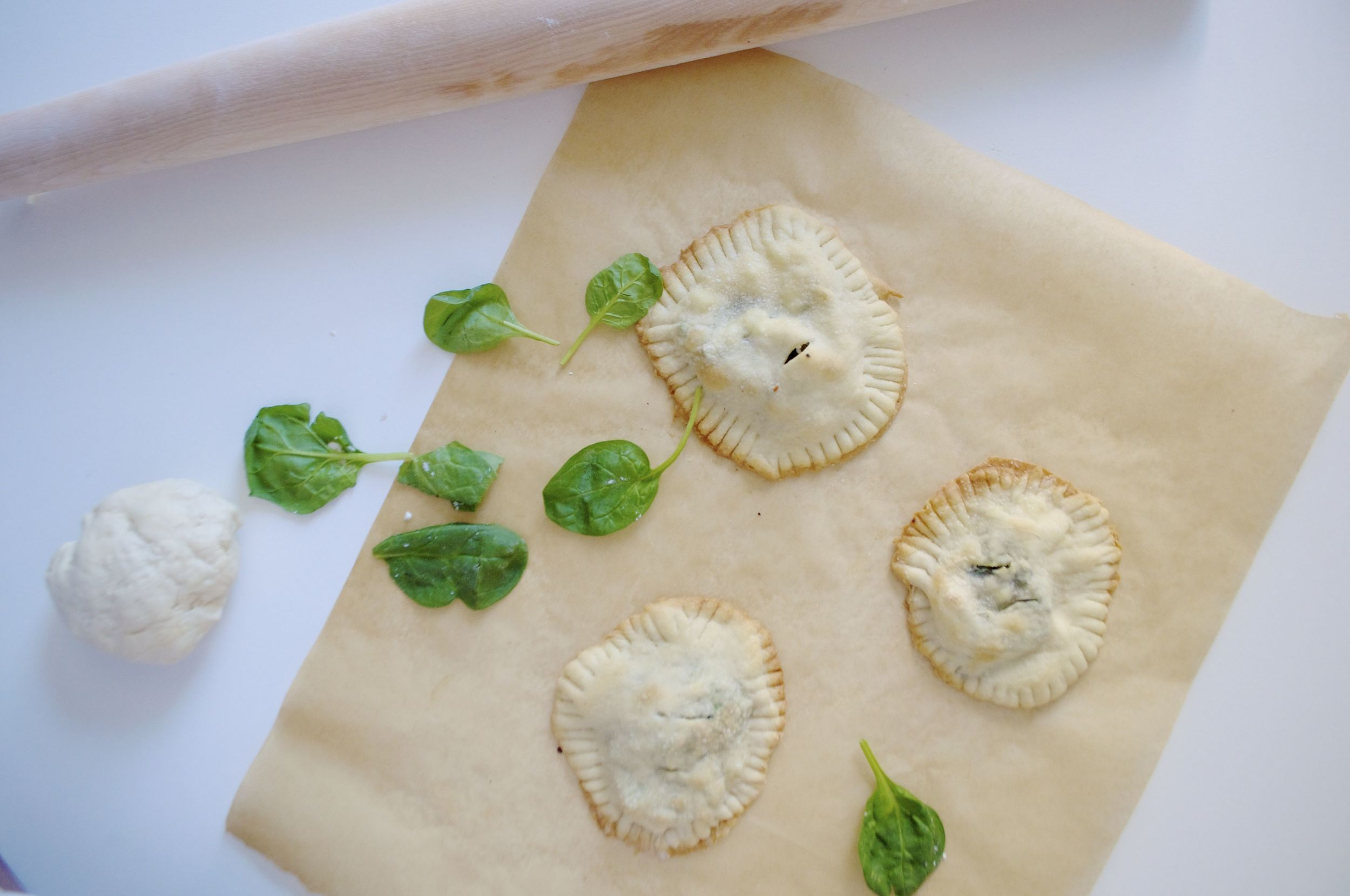 spinach-feta-onion-hand-pies-fried-parsley