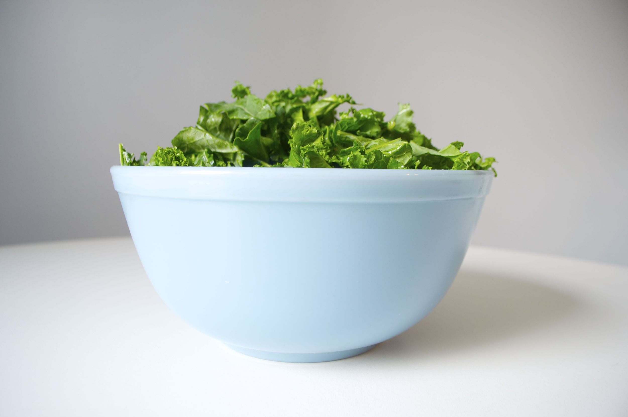 detox-avocado-kale-salad-fried-parsley