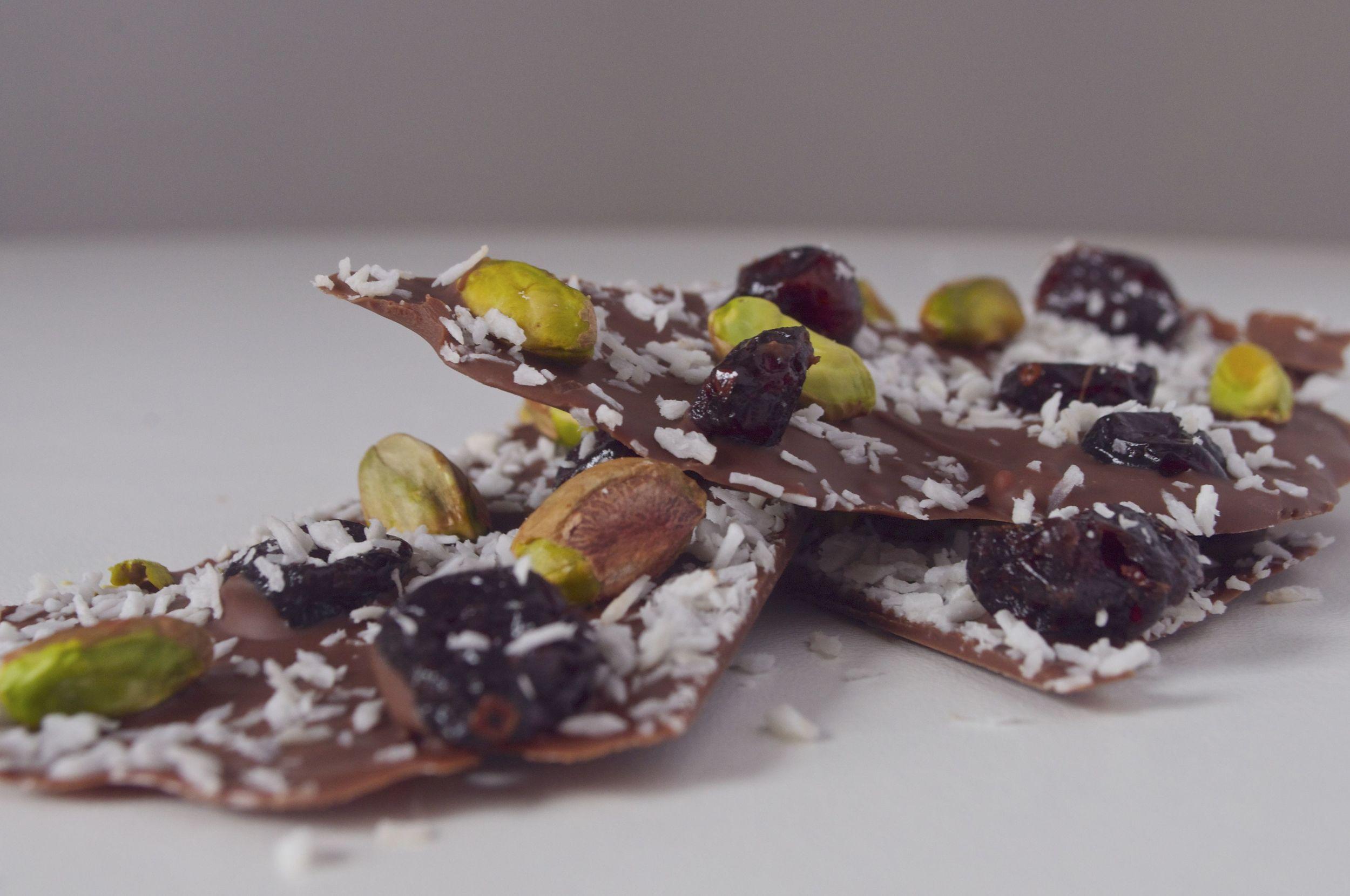 pistachio-cranberry-coconut-chocolate-bark-fried-parsley