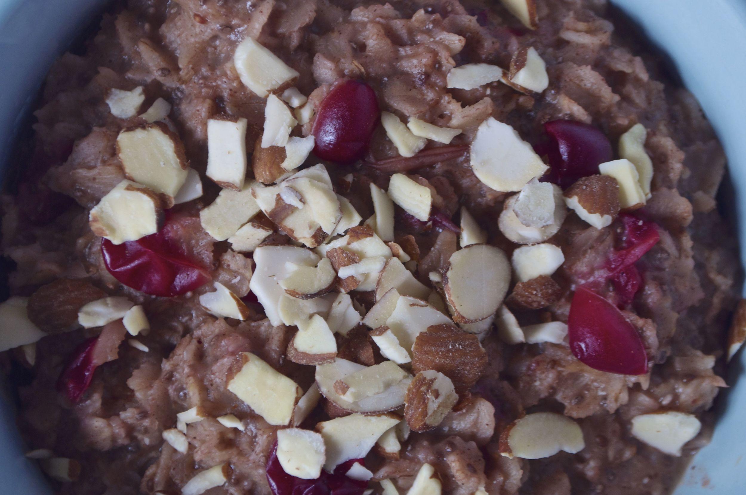 spiced-cranberry-maple-orange-breakfast-porridge-fried-parsley