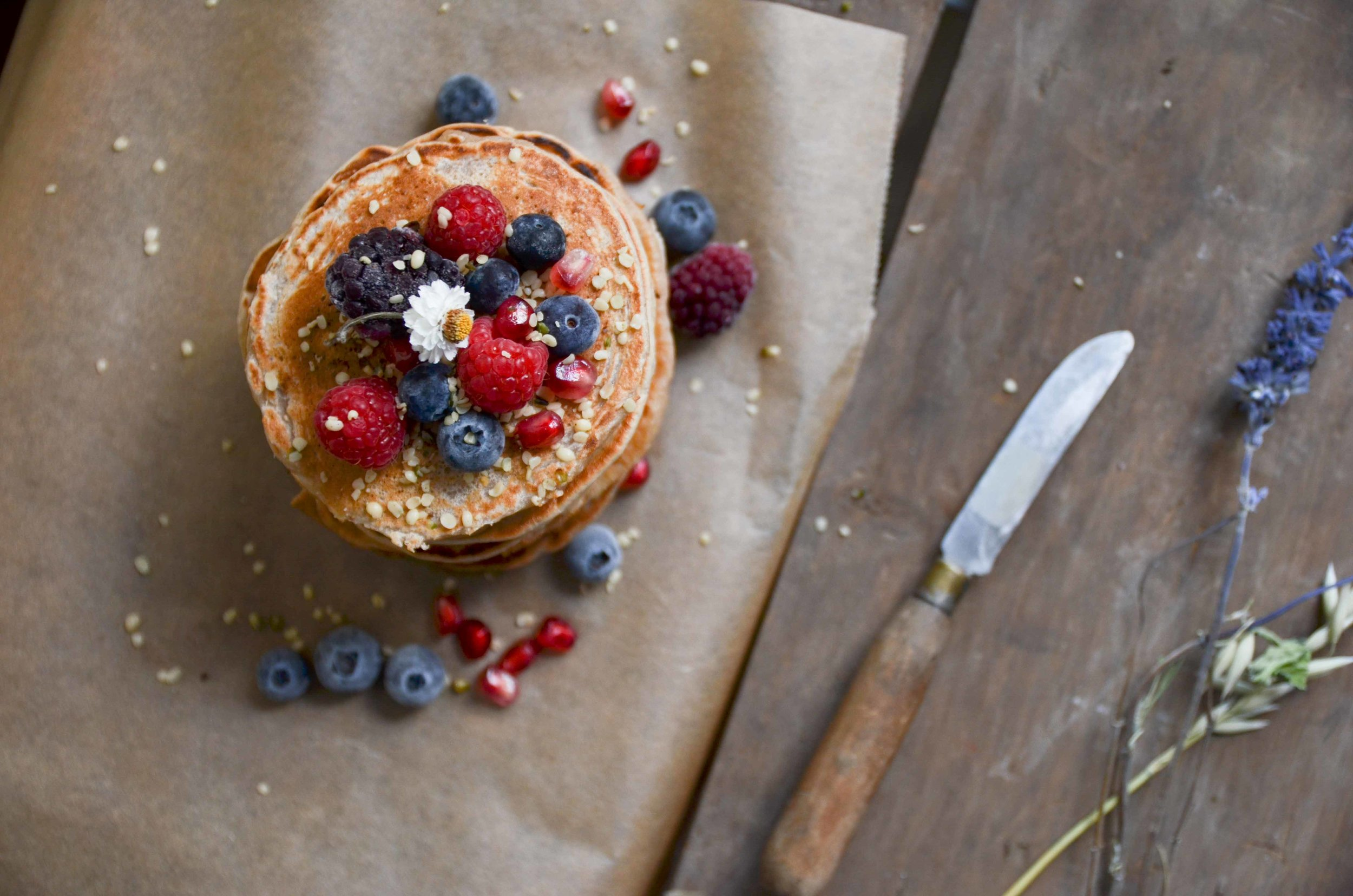 fluffy vegan sugar-free pancakes by fried parsley