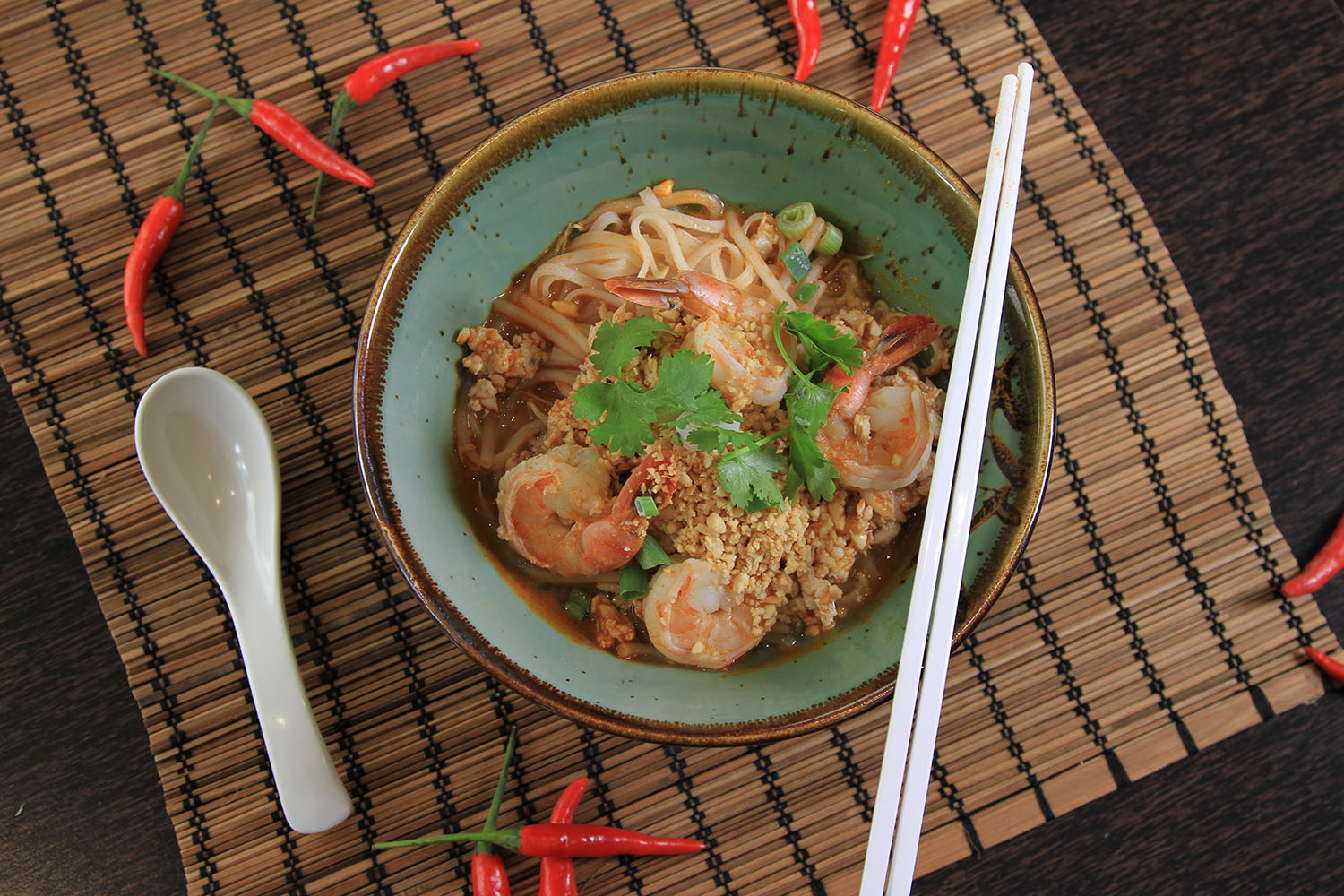 Thai-noodles-with-King-Prawns.jpg